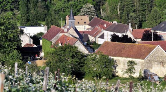 Joli Village Vallée de L'Ardre Brouillet