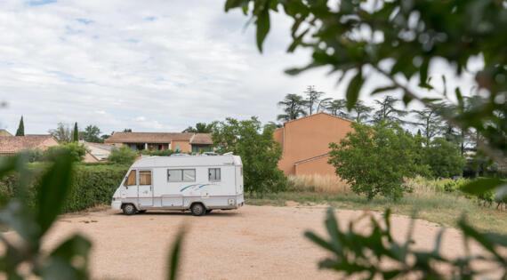 Accueil Camping Car St Jean Le Vieux - Crédit photo Hervé Fabre