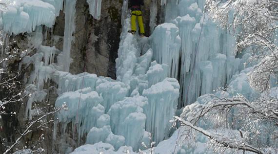 Eau gelées dans les Hautes-Alpes © ADDET 05