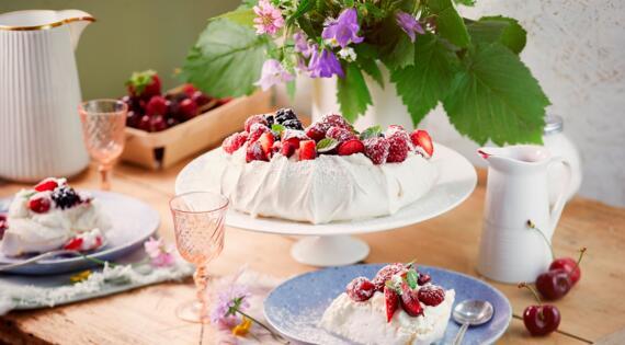 Recette Bienvenue à la ferme - pavlova fruits rouges - produits de saison et locaux